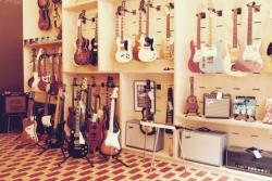 The Guitar Bar in een nieuw kleedje dankzij maatwerkbedrijf Kunnig