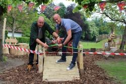 Maatwerkbedrijf Aralea opent een natuurlijke speeltuin op Kinderboerderij Mikerf
